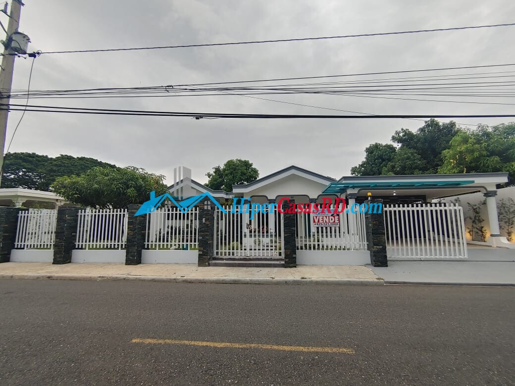 Se vende casa en urbanización La piña, SFM